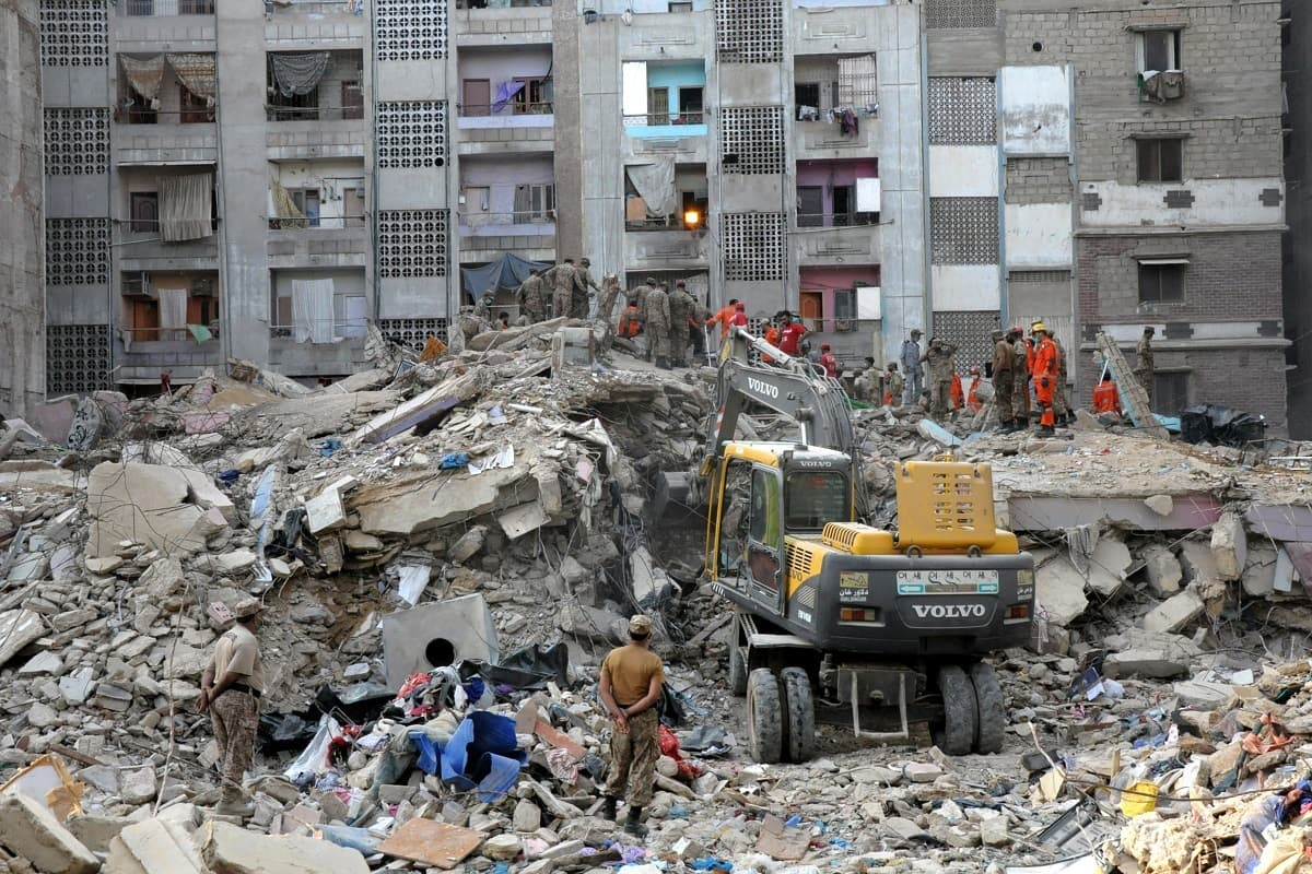 One killed as four-storey building collapses in Karachi's Korangi area