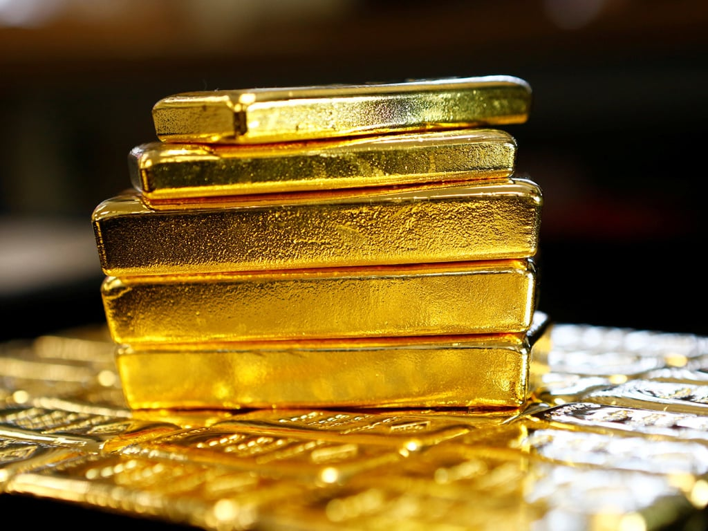 Gold rate today slips to Rs 50,180 bucking global trend