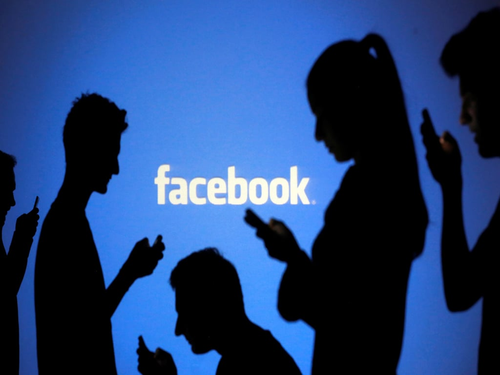 Facebook to reject political ads prematurely claiming US election victory