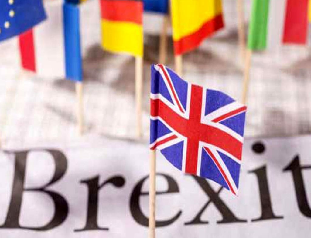 Britain and European Union resume trade talks in 'final throw of the dice'