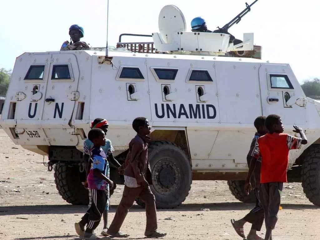 Peacekeeping mission in Sudan's Darfur ends, stoking fears