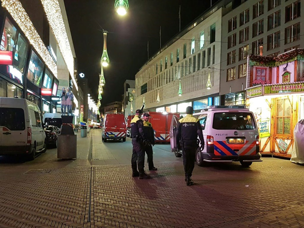 100 arrested in Amsterdam after protest over curfew