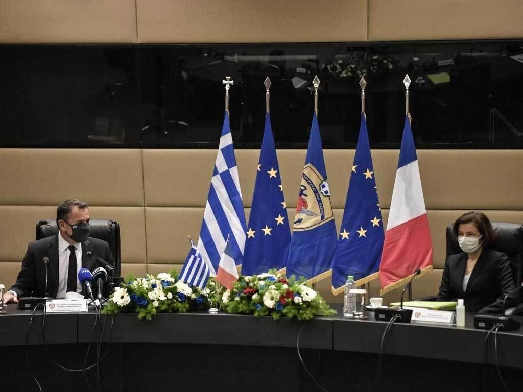 Greece, France sign warplane deal in message to Turkey