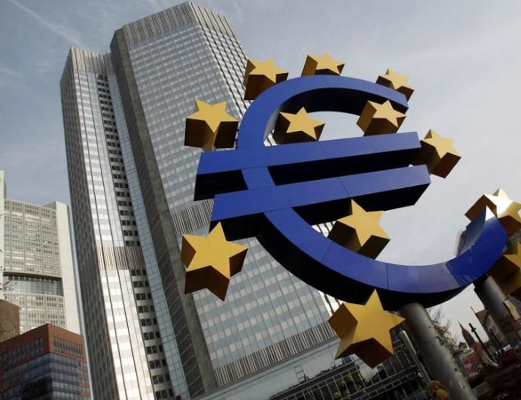 Early 2021 growth could miss ECB forecasts: de Guindos