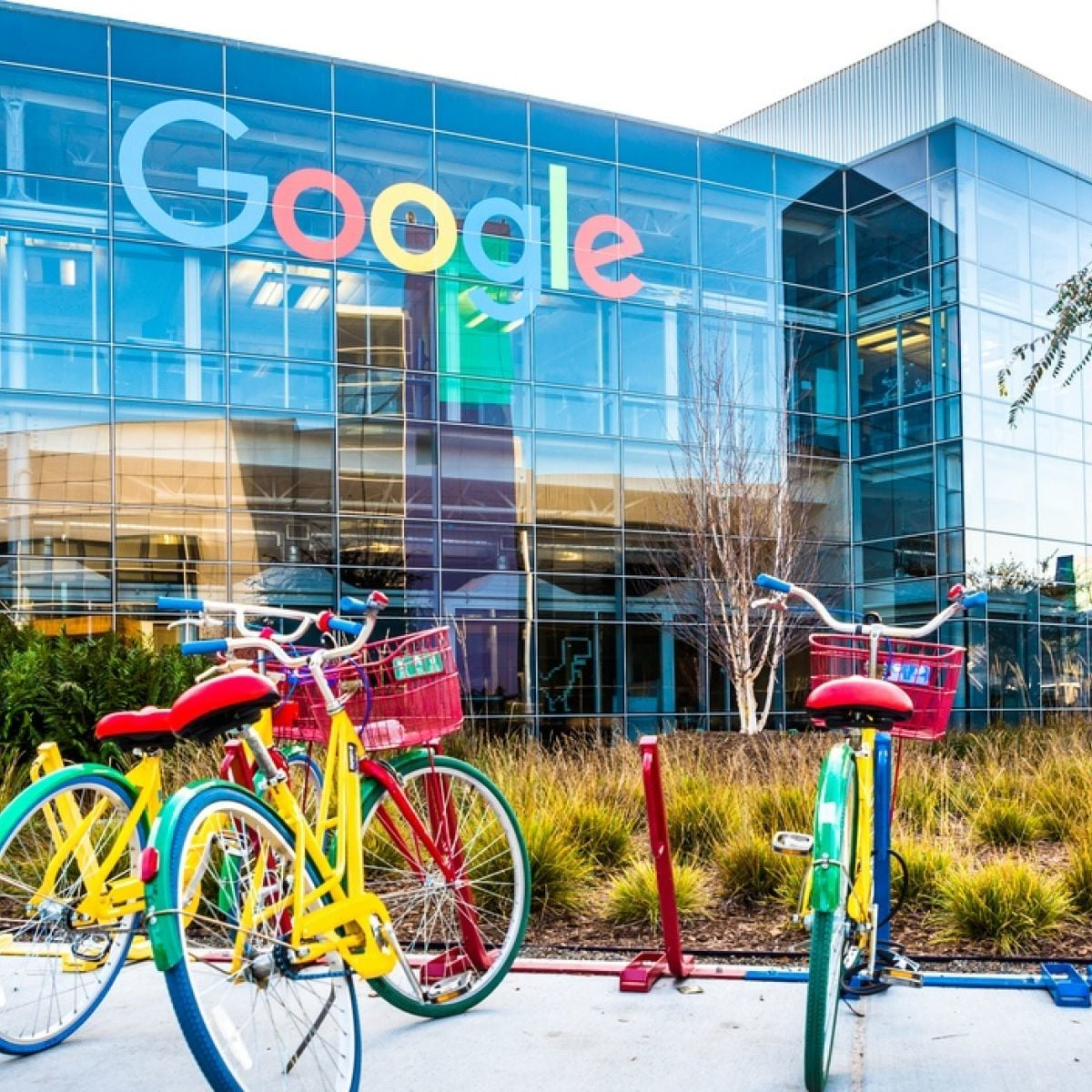 Australian media firms squeeze more from Google as new law looms