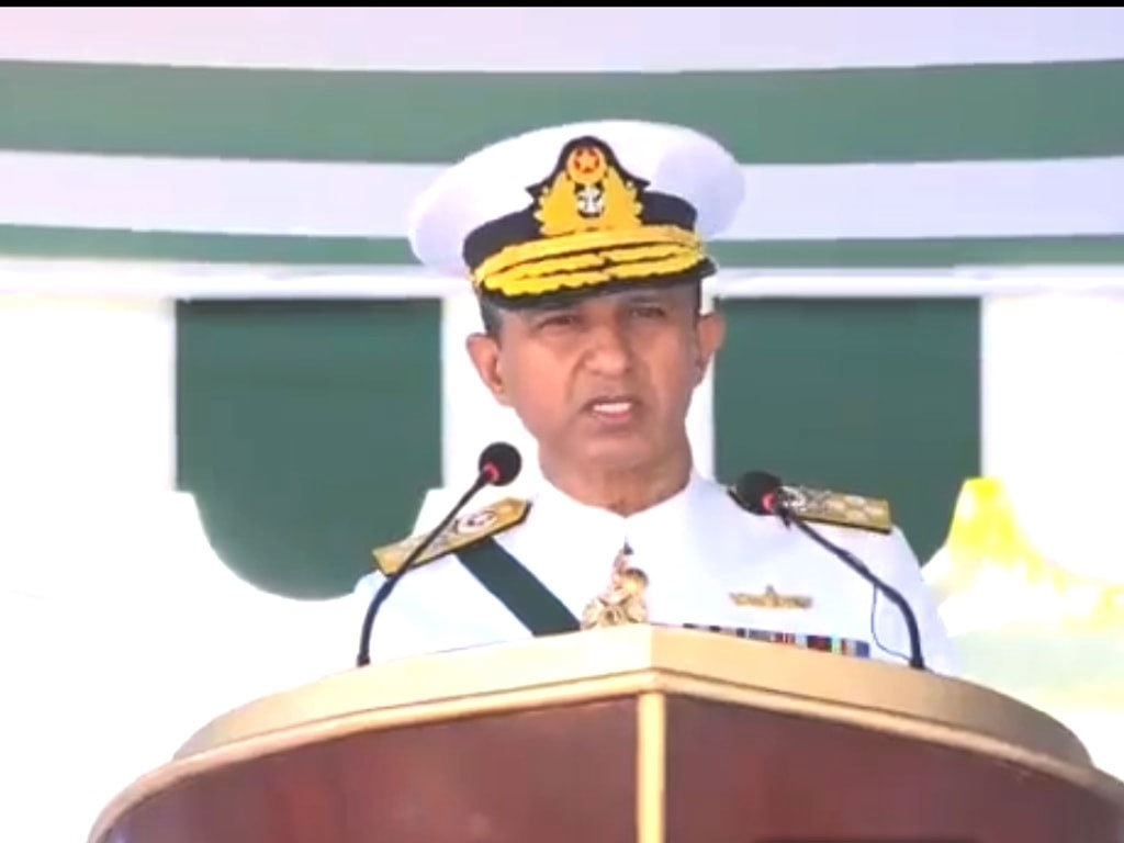 Naval Chief visits PMSA headquarters in Karachi