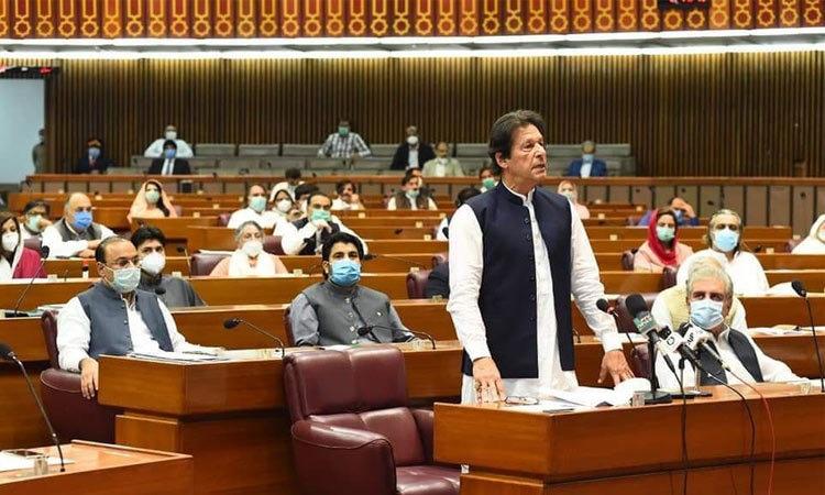 PM congratulates Sanjrani, Afridi on Senate election victory