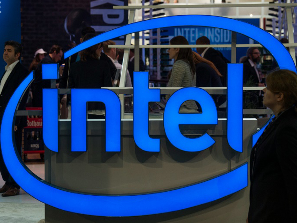 Intel to spend $20bn on US chip plants as CEO challenges Asia dominance
