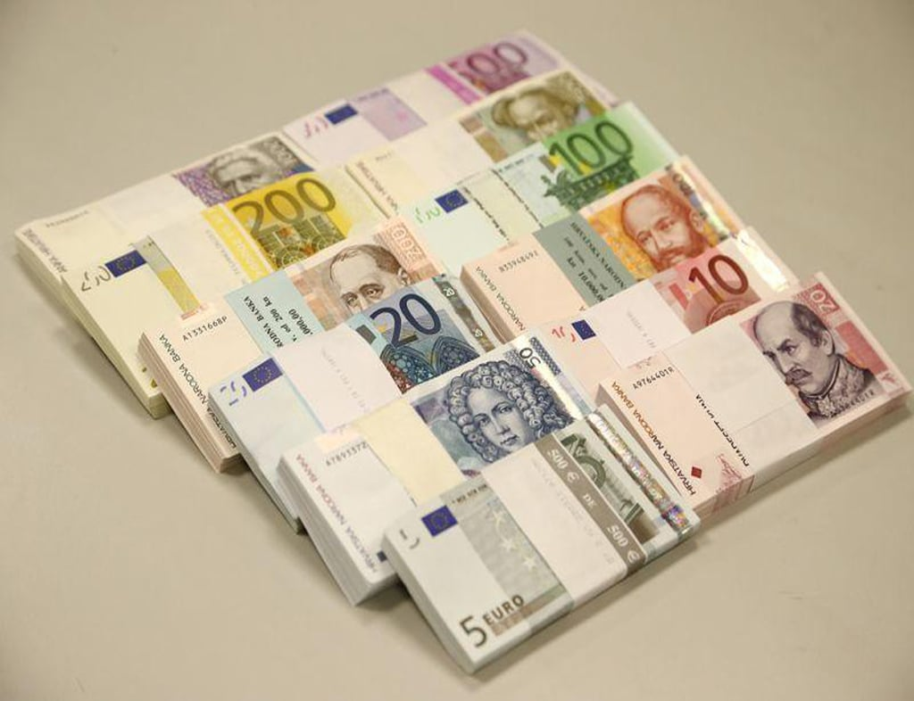 Euro zone yields rise but surging COVID-19 cases fuel caution