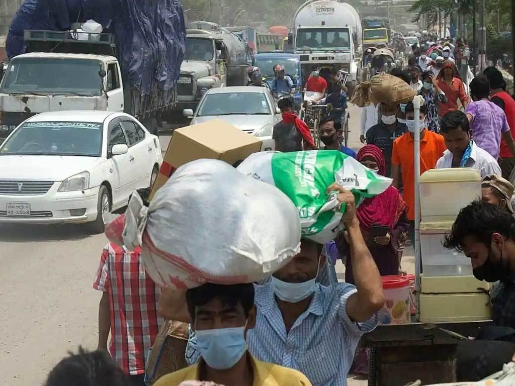Bangladesh virus shutdown triggers exodus from capital