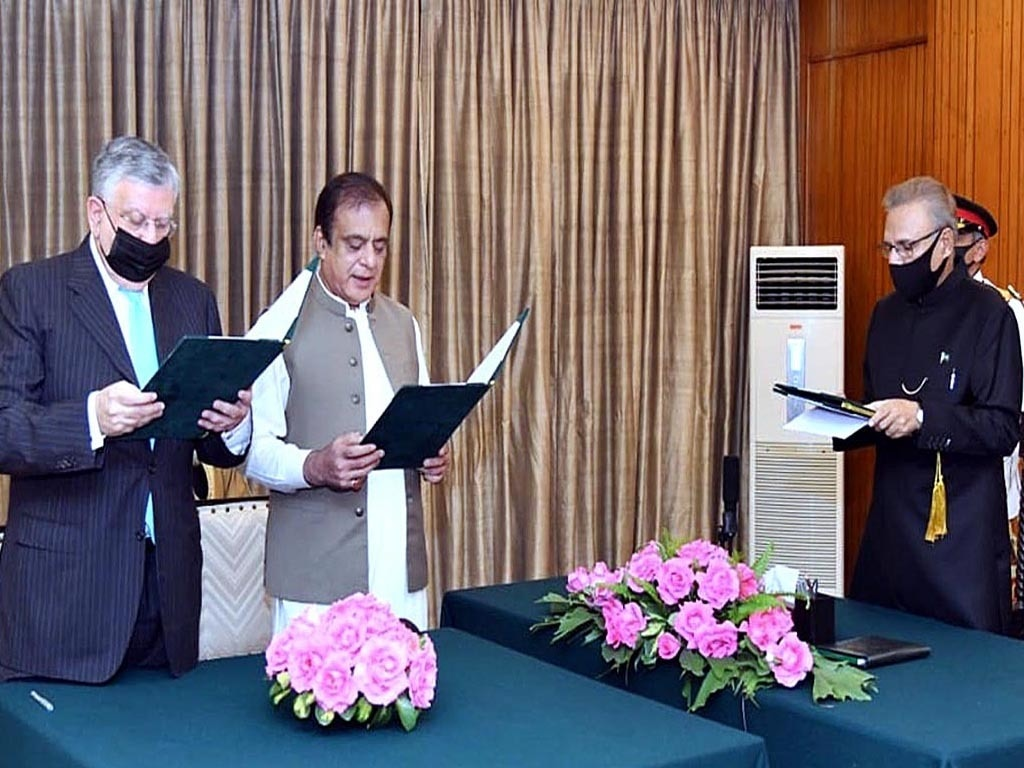 Tarin sworn in as finance minister