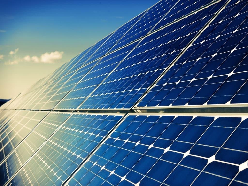 Experts stress on using solar power to meet Pakistan energy needs