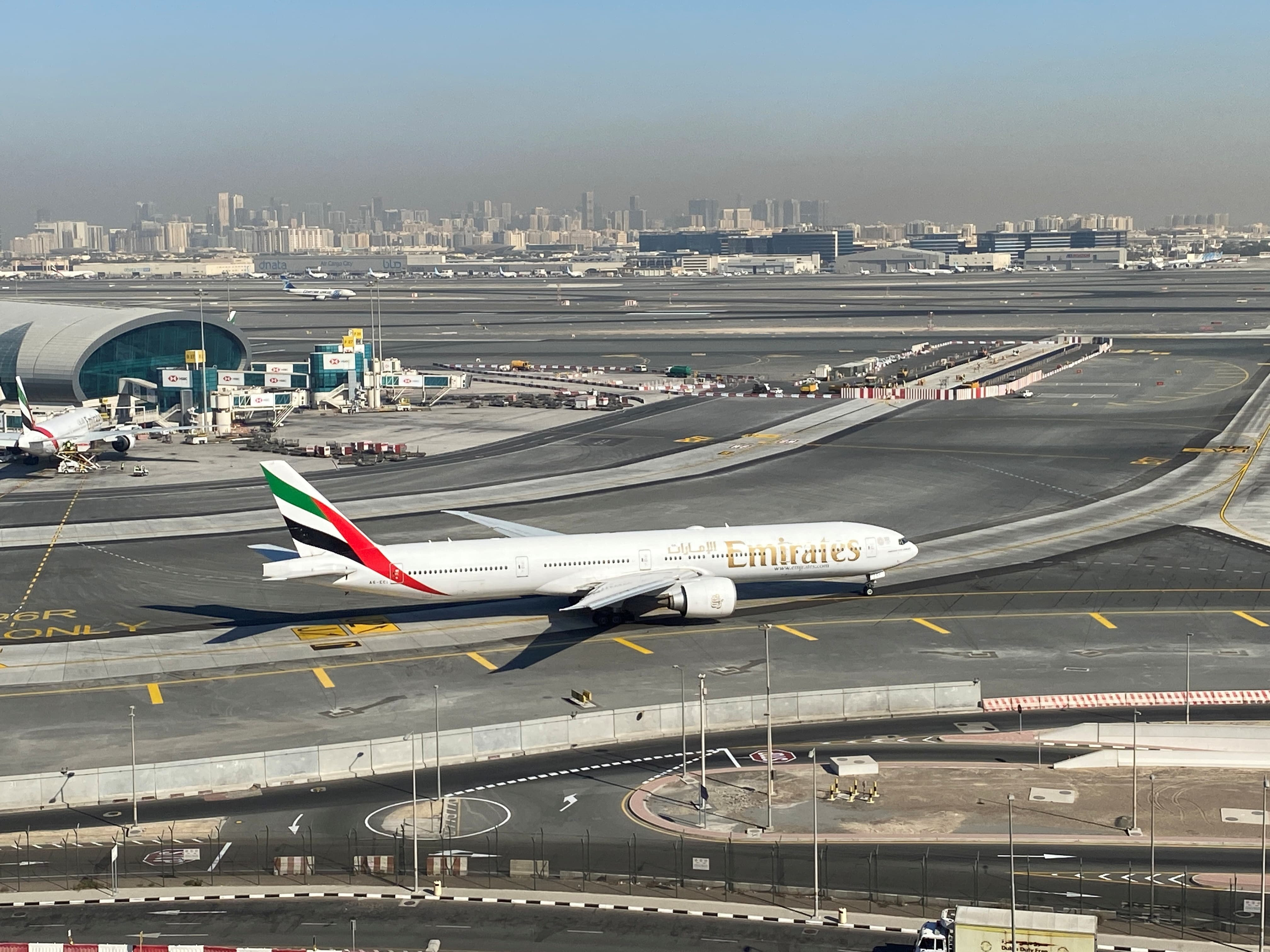 UAE to bar travel from Pakistan from May 12