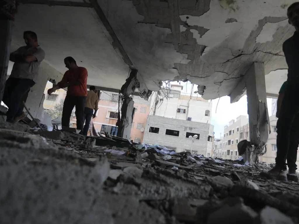 Egypt pledges $500mn to rebuild Gaza, sends medical aid