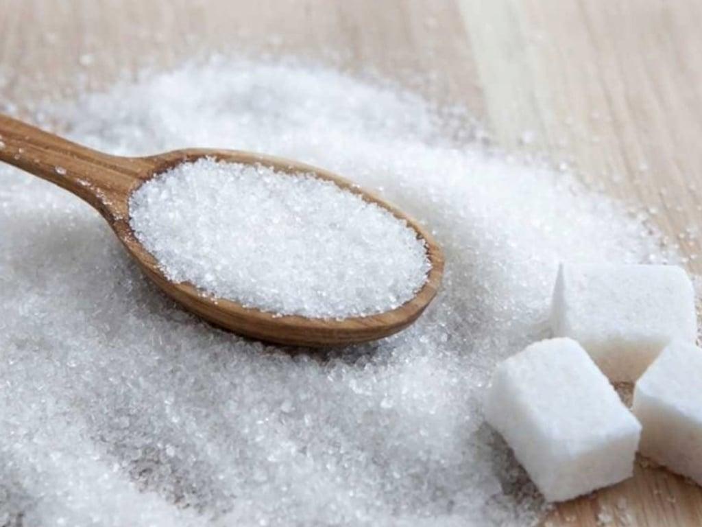 Raw sugar futures steady, cocoa tumbles