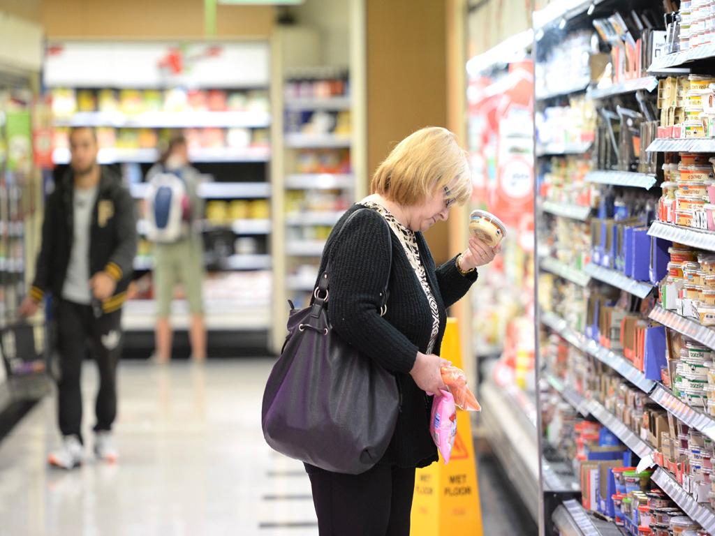 Australia retail sales edge up