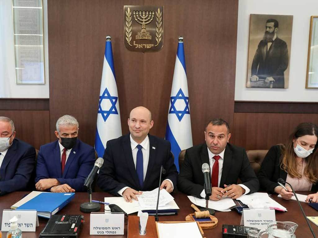 Israel's new government dealt blow in controversial citizenship vote