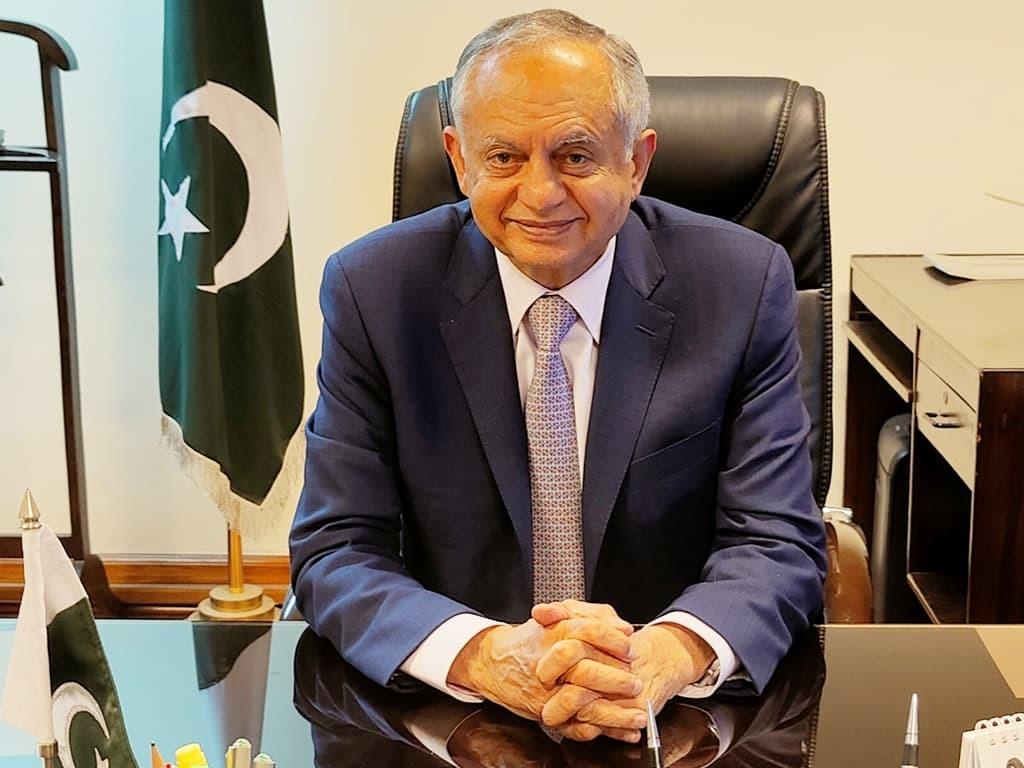 Sustainable economic growth major challenge: Dawood
