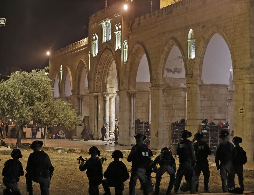 Jewish visits, opposed by Palestinians, spark clashes