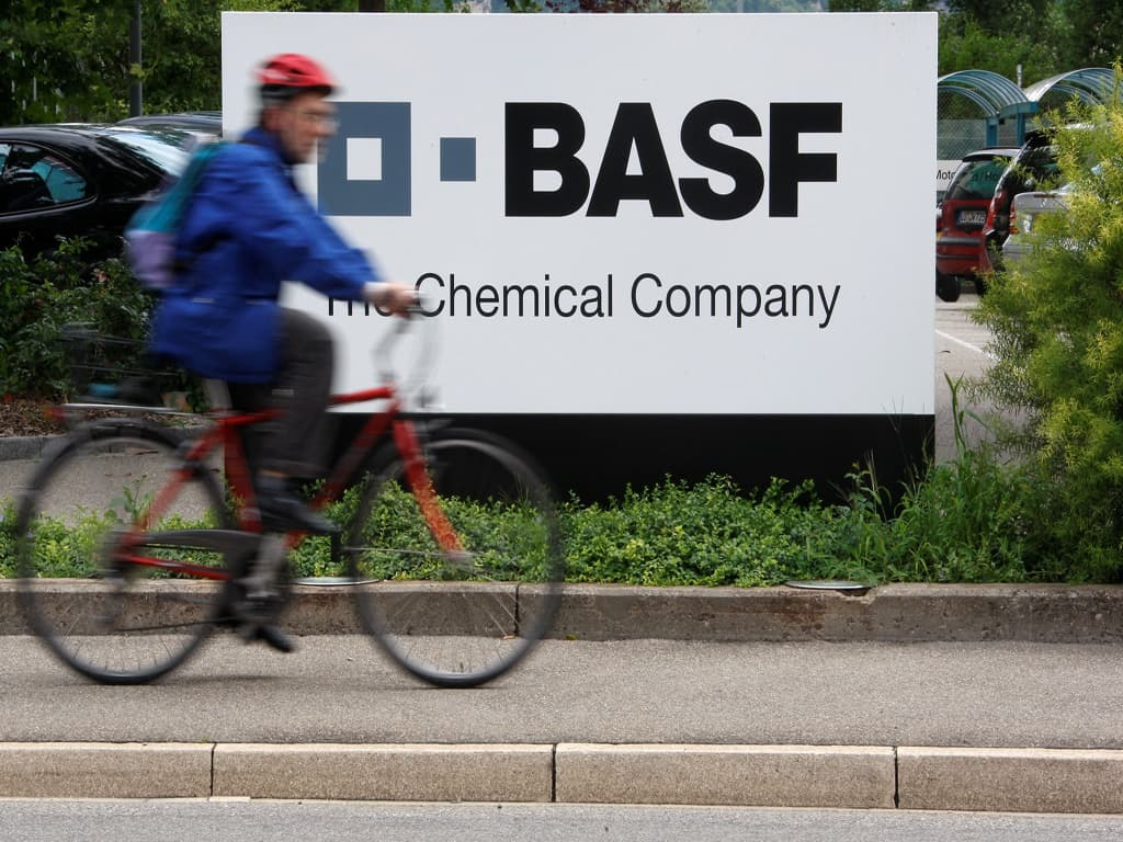 BASF reports Q2 net profit beat on increased volumes, prices