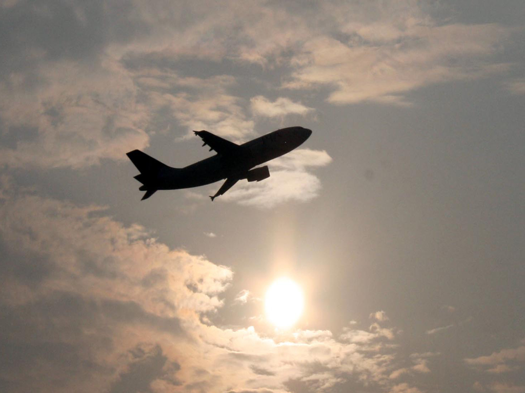 Airlift begins for Afghans who worked for US