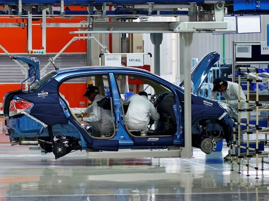 Indian carmakers seek extra year to meet fuel efficiency rules