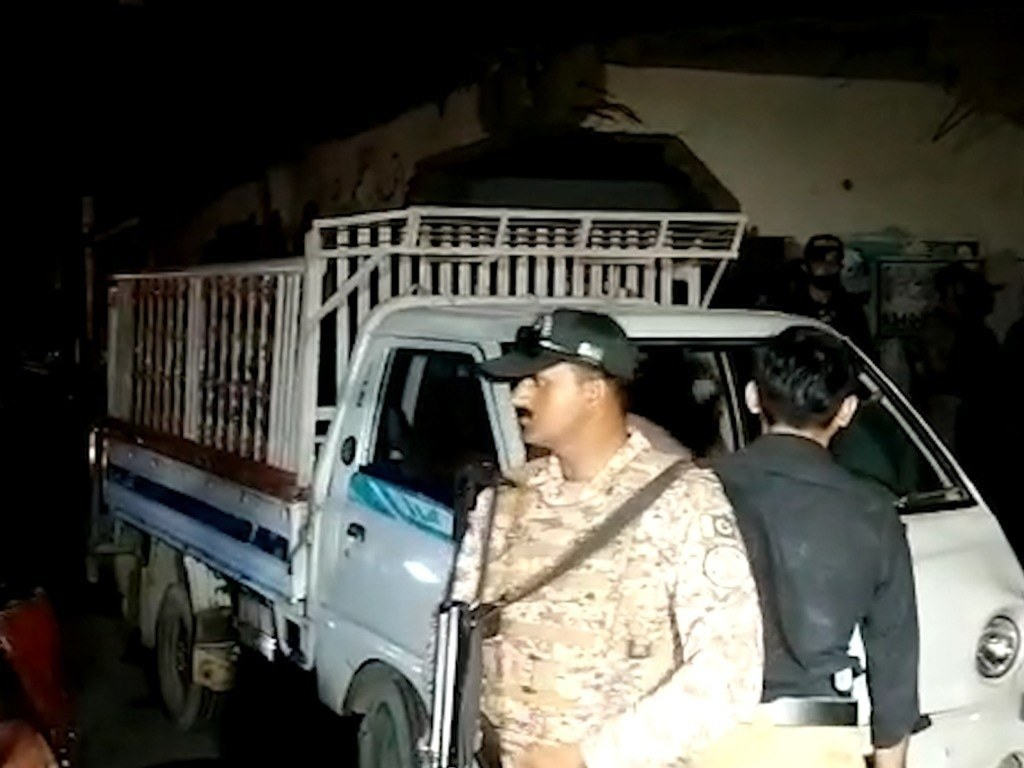 11 killed in grenade attack on truck in Karachi