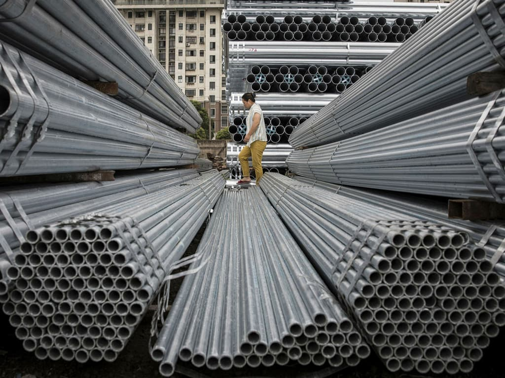 Shanghai steel futures soar