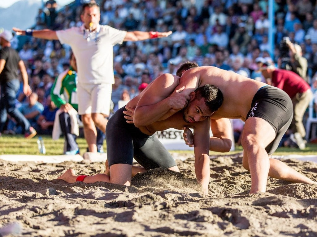 Pakistan's Inam Butt clinches gold in Beach Wrestling World Series
