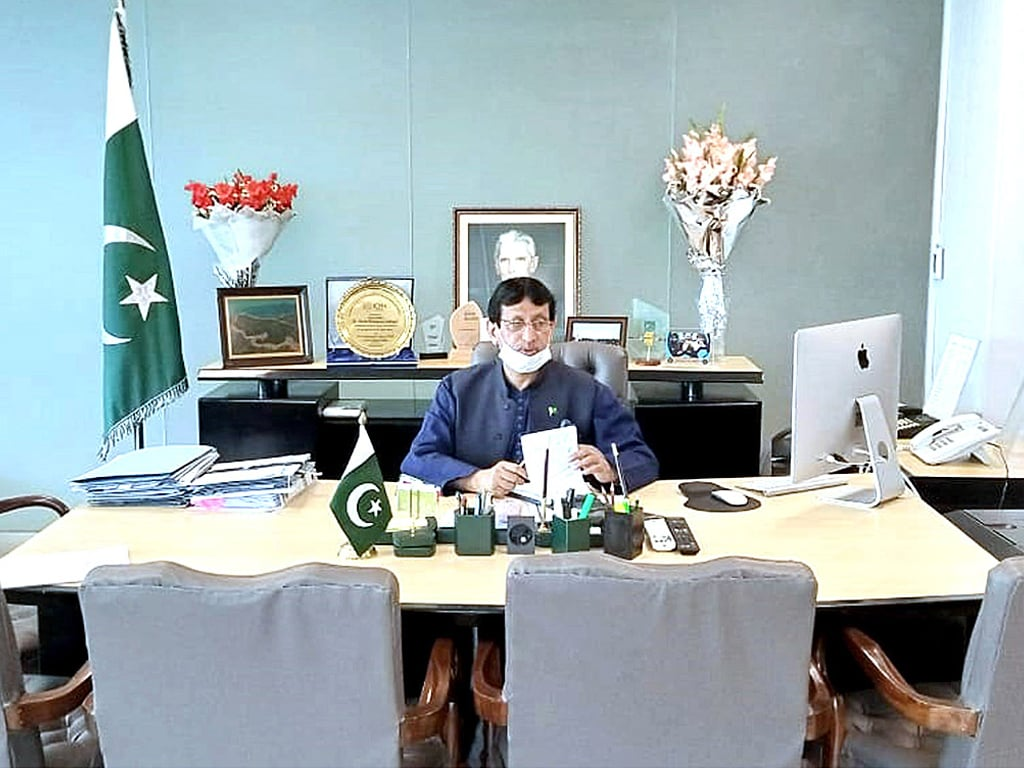 Minister inaugurates portal for online registration of freelancers