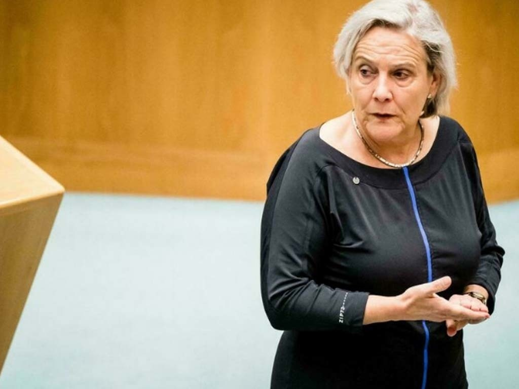 Second Dutch minister quits as Afghan scandal widens