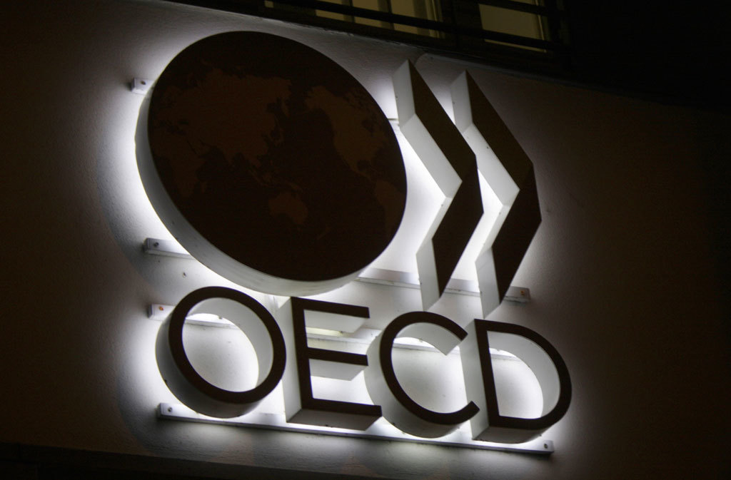 OECD lowers global, US economic growth forecasts