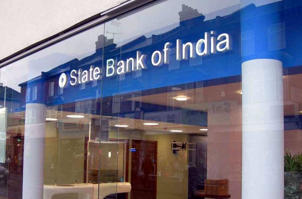 India needs more big banks the size of largest lender SBI