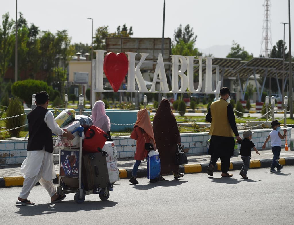 Displaced Afghans in Kabul return home to the north