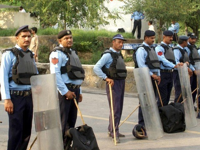 Police baton-charge, arrest doctors protesting outside PMC in Islamabad