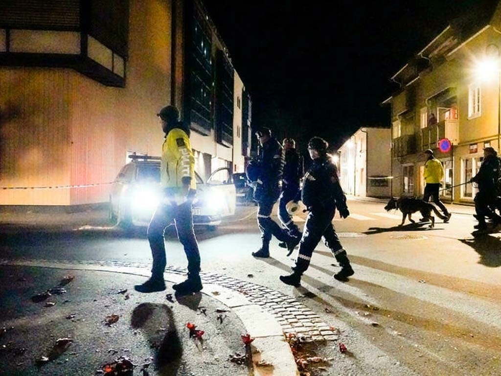 Man held after killing several people with bow in Norway