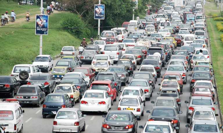 Roads leading to Red Zone witness massive gridlock