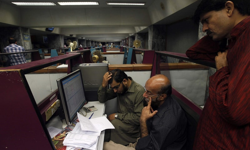 KSE-100 recovers after 642-point fall in intra-day trading