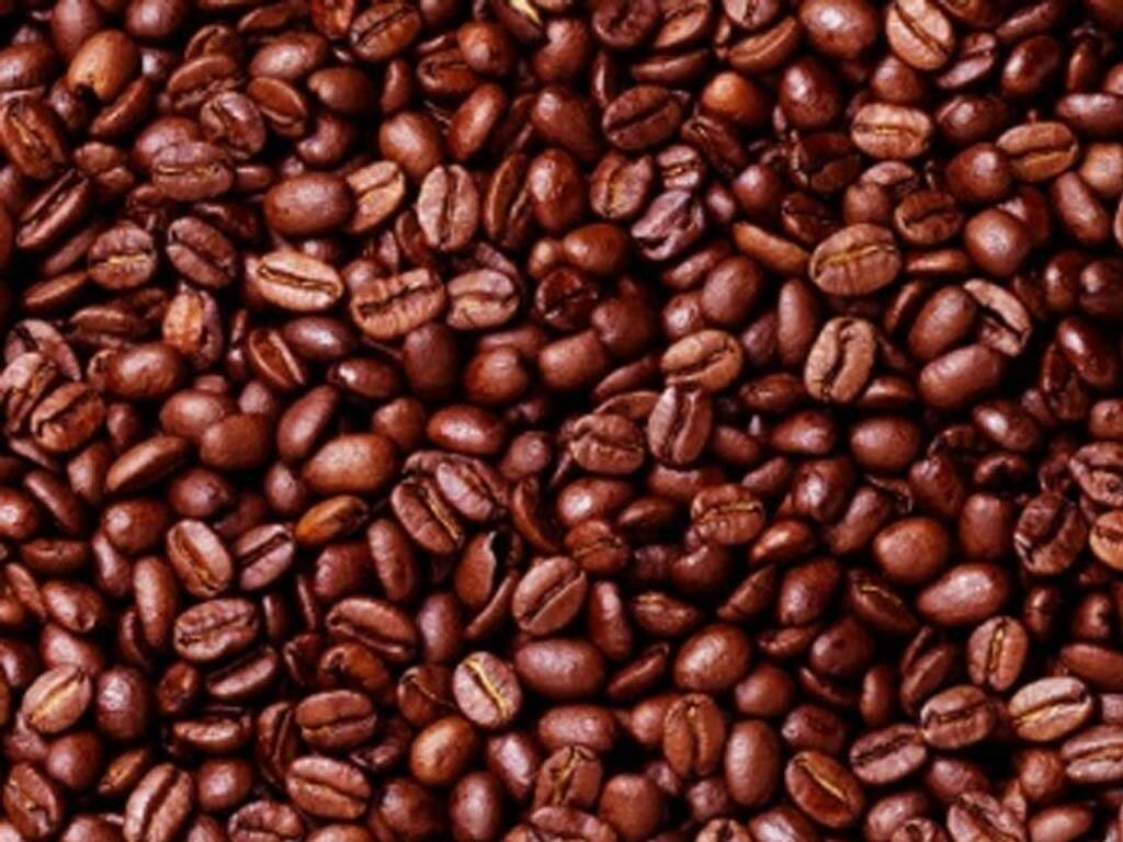 Arabica coffee falls nearly 2%; sugar and cocoa recover