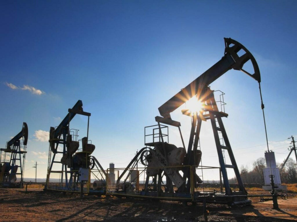Asia's gasoline, naphtha post weekly gains