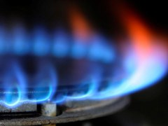 UK GAS-Prices rise amid zero Langeled flows, upcoming outages
