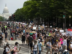 Thousands take to Washington streets in protest against US police violence