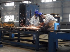 Manufacturing slump eases as world emerges from pandemic