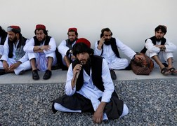 Afghan govt to release more Taliban prisoners in hope of getting peace talks going