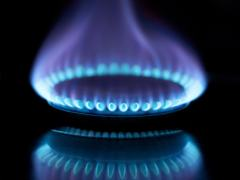 UK GAS-Prompt prices rise as lower wind power forecast boosts demand