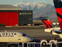Delta wants at least 3,000 flight attendants to take unpaid leave