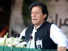 Imran vows to promote industrial, business sectors