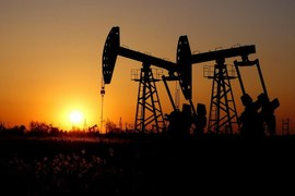 Oil slips below $45/bbl on demand concerns but posts weekly rise