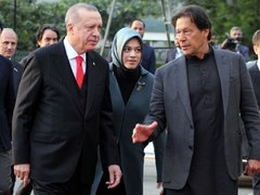 PM offers to help quake-hit Turkey in every way Pakistan can