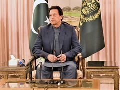 PM Imran urges people to act responsibly during second COVID-19 wave